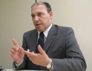 TJMT condena ex-prefeito por contratar sem licitação