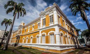 Biblioteca Estevão de Mendonça completa 107 anos de história