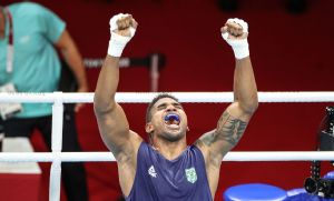 Abner Teixeira garante bronze no boxe ao avançar à semi em Tóquio (Crédito: Reprodução)