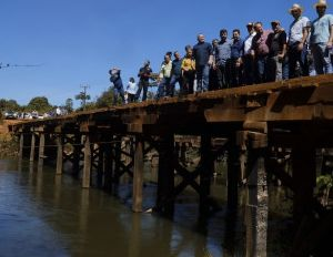 Governador libera construção de ponte de 120 metros (Crédito: Reprodução)
