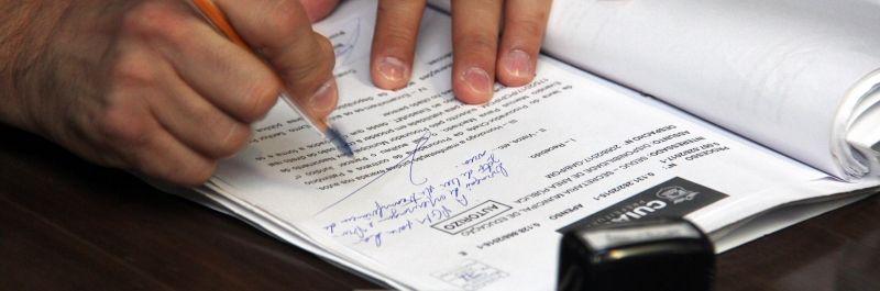 Emanuel assina decreto e assegura pagamento da RGA para servidores da Educação (Crédito: Reprodução)