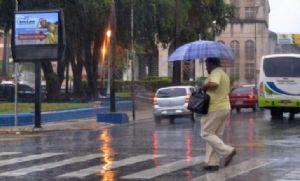 Pancadas de chuva deixam municípios em estado de alerta (Crédito: Reprodução)