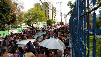 Com greve, 35 mil alunos estão sem aulas em Cuiabá