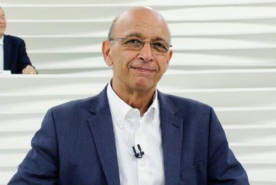 Dr. Alexandre Kalache é o entrevistado do Roda Viva
