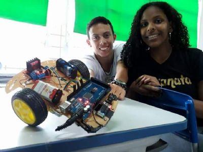 Alunos da Escola José de Mesquita concorrem em evento mundial com projeto de robótica