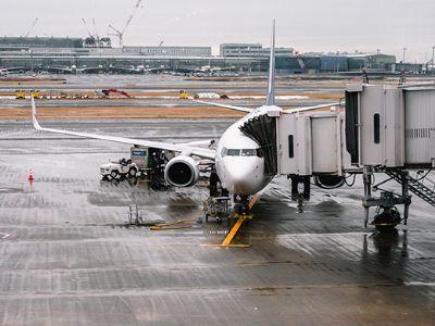Em cerimônia com Bolsonaro, governo assina contrato de concessão de 12 aeroportos