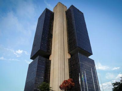Banco Central determina que bancos devem ter atendimento presencial