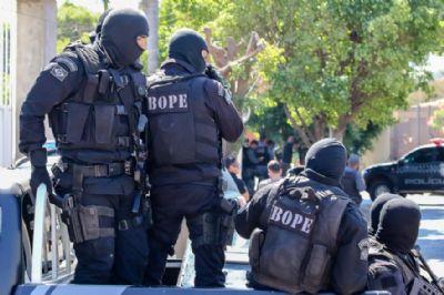 Bope faz operação simulada de resgate e roubo com reféns em Cuiabá