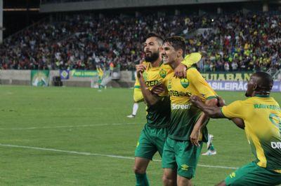 Cuiabá faz 2 x 0 no Operário e decide com folga no próximo domingo