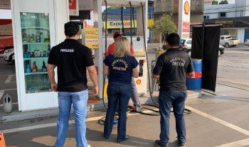 Órgãos de defesa do consumidor fiscalizam posto de combustível alvo de denúncia