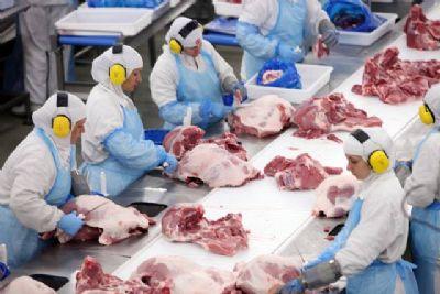 China habilita oito frigoríficos de MT para exportação de carnes