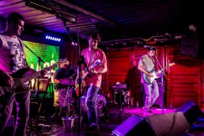 Banda cuiabana de reggae Kayamaré volta aos palcos com apresentação no Malcom Pub