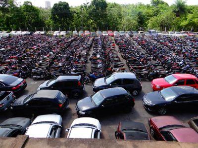 Interessados podem verificar condições dos 877 veículos ofertados em 10 municípios