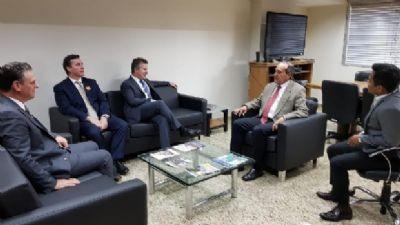 Mauro cobra celeridade de secretário nacional em estudo sobre solução para obras do VLT
