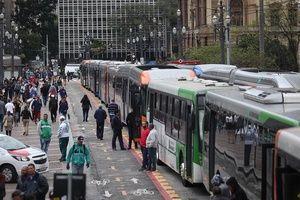 Greve dos motoristas de ônibus: Metrô e CPTM reforçam operação