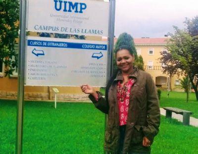 Professora da rede estadual busca na Espanha novidades na área de tecnologia educacional