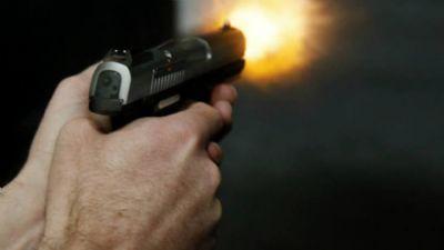 Criminoso troca tiros com a Rotam em Cuiabá, é baleado e sofre fratura na perna