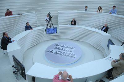 Roda Viva recebe Cristovam Buarque para falar da crise política
