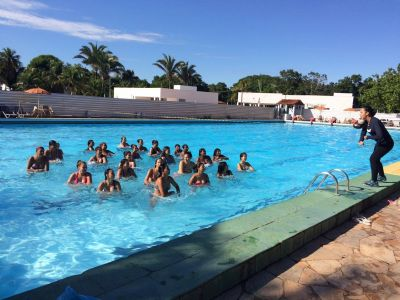 Sesc Balneário tem vagas para aulas de hidroginástica