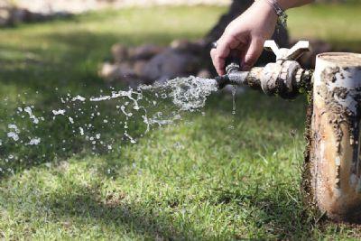 Projeto proíbe cobrança de taxa de religação de água