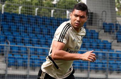 Casemiro renova contrato com o Real Madrid até junho de 2023, diz jornal