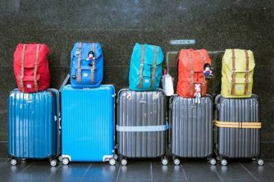 Aeroportos de SP e RJ avisam sobre mala de mão grande a partir de hoje