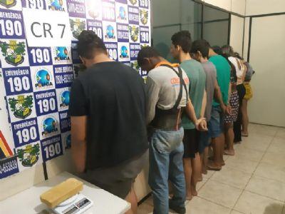 Fornecedor e traficante são presos por vender drogas para universitários
