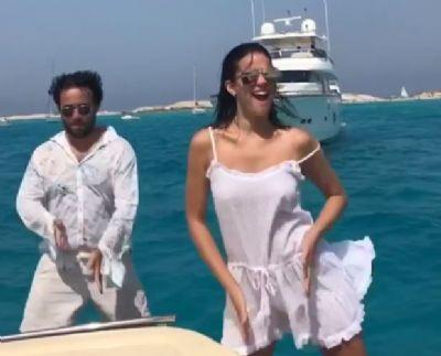 Bruna Marquezine dança 'paradinha', de Anitta, em iate e Neymar curte