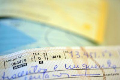 Banco Central limita juros do cheque especial e cria tarifa
