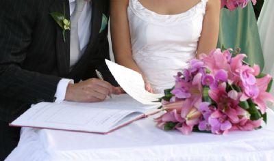 Cartórios de Cuiabá disponibilizam 400 vagas para casamento gratuito