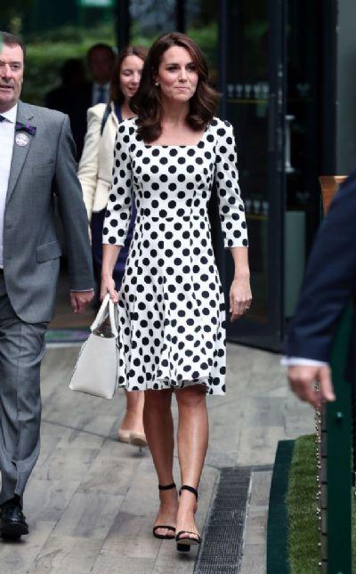 Kate Middleton debuta novo corte de cabelo em Wimbledon