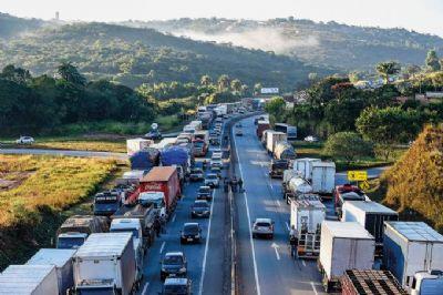 Já estão em vigor as novas regras do frete mínimo para caminhoneiros