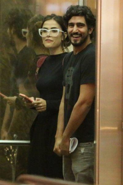 Após 'ficada' em fim de festa, Maria Casadevall e Renato Góes voltam a ser flagrados juntos