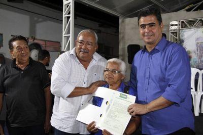 Após 28 anos, moradores do Praeirinho recebem títulos de regularização fundiária