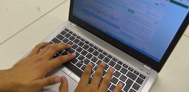 Receita cria chat para regularizar débitos de pessoas físicas