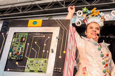 Teatro Móvel estaciona na Orla do Porto para inspirar crianças a trabalhar com ciência e tecnologia