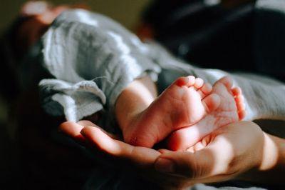 Pais são investigados por suposta venda de bebê de seis meses em Cuiabá